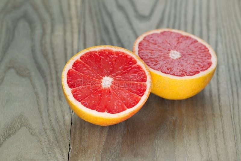 新鲜的鲜红色的葡萄柚 库存照片