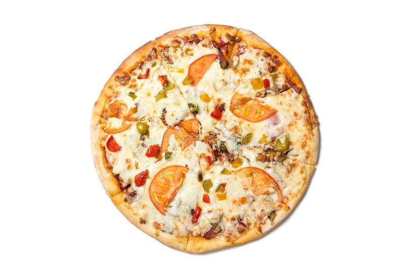 新鲜的鲜美薄饼用蕃茄、橄榄、在白色背景和蘑菇隔绝的乳酪、香肠 顶视图 库存图片