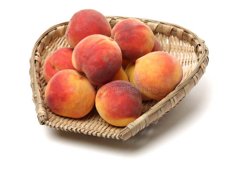 新鲜的黄色桃子 库存照片