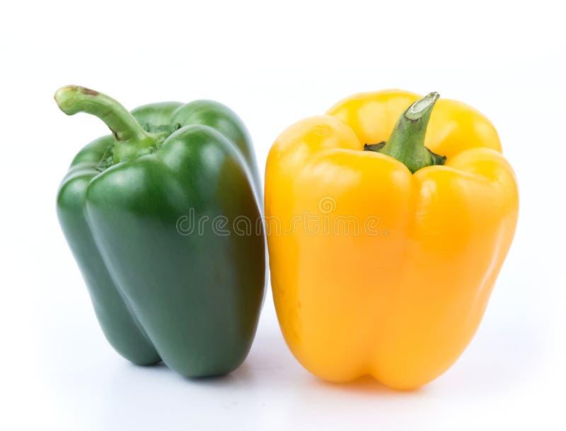 新鲜的绿色和黄色胡椒 免版税库存照片