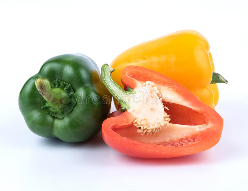 新鲜的绿色黄色和红辣椒 免版税库存照片