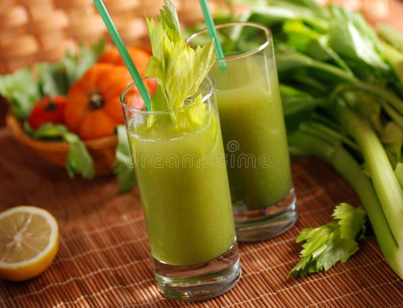 新鲜蔬菜汁 免版税图库摄影