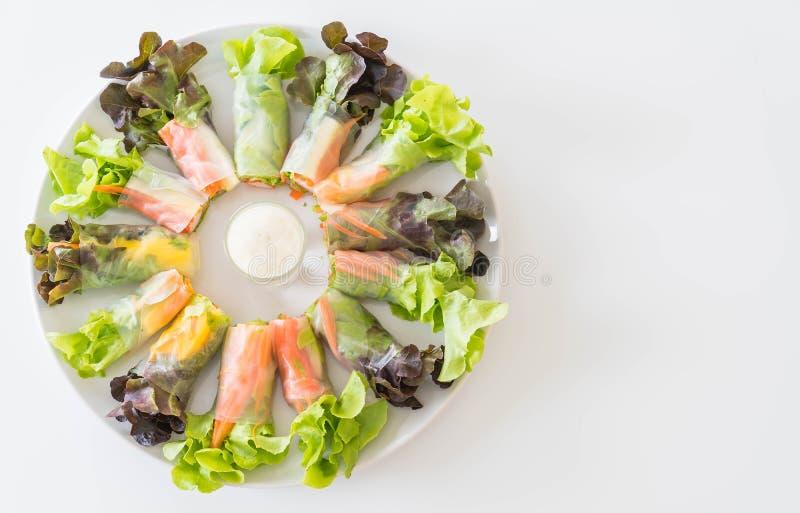 新鲜蔬菜面条春卷,饮食食物,干净的食物,沙拉 库存图片
