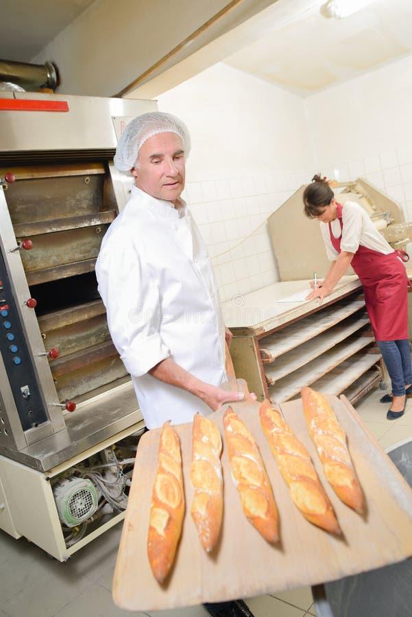 新鲜面包烤箱 免版税图库摄影
