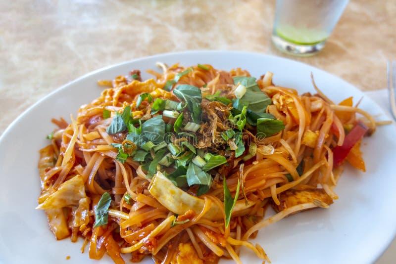 新鲜香菜素面泰国菜 免版税图库摄影