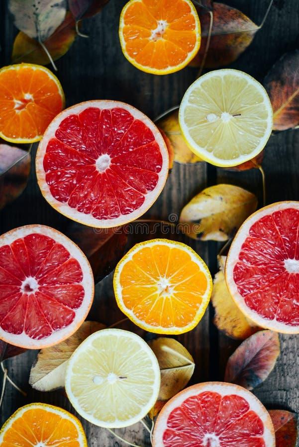 新鲜水果 混杂的果子背景 健康吃,节食 健康新鲜水果背景  水果沙拉-饮食,健康增殖比 库存照片