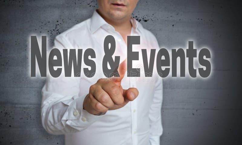 新闻和事件触摸屏幕由人管理 免版税库存图片
