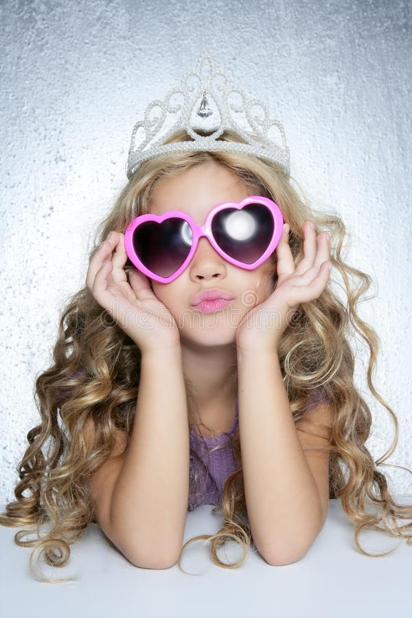 方式女孩少许纵向公主受害者 库存照片
