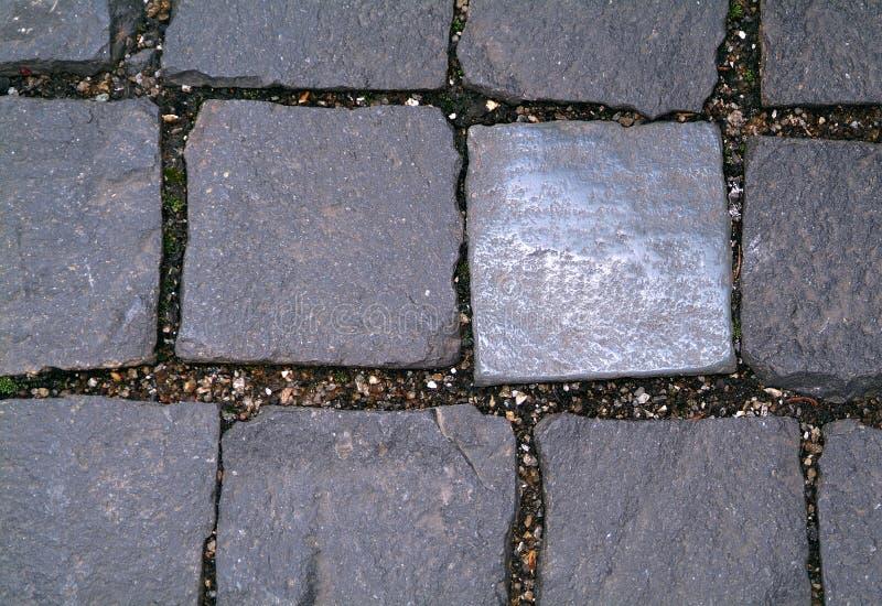 方形的瓦片边路  免版税库存照片