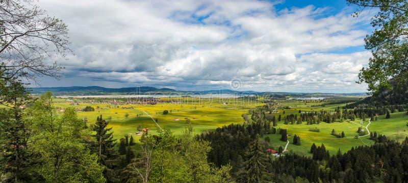 施万高谷和湖福尔根湖邻里的看法在巴伐利亚 库存照片