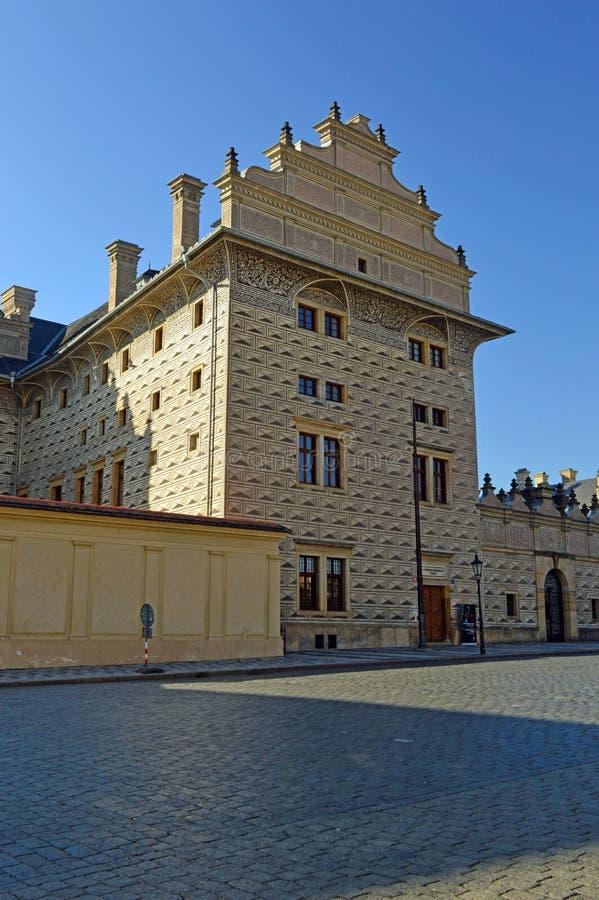 施瓦尔岑贝格宫殿,位于Hradcanske广场布拉格 免版税库存照片