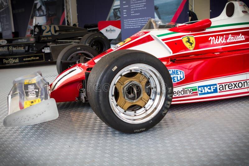 施皮尔贝格,奥地利,2014年–传奇公式1汽车bolid,Nikis劳达历史的红色法拉利从1977年在公式1 免版税库存照片