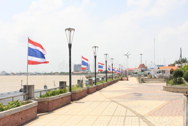 旅游业的泰国旗子在海 库存照片