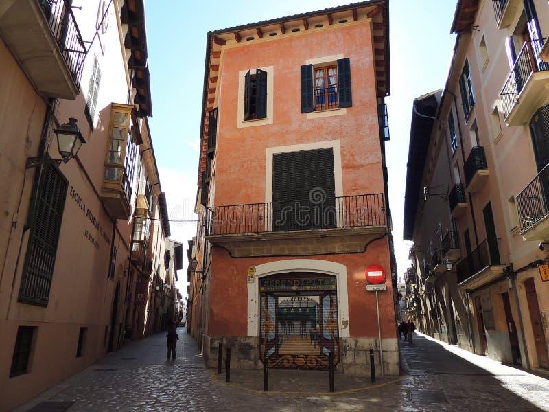 旅游季节的威尼斯式街道 免版税库存照片