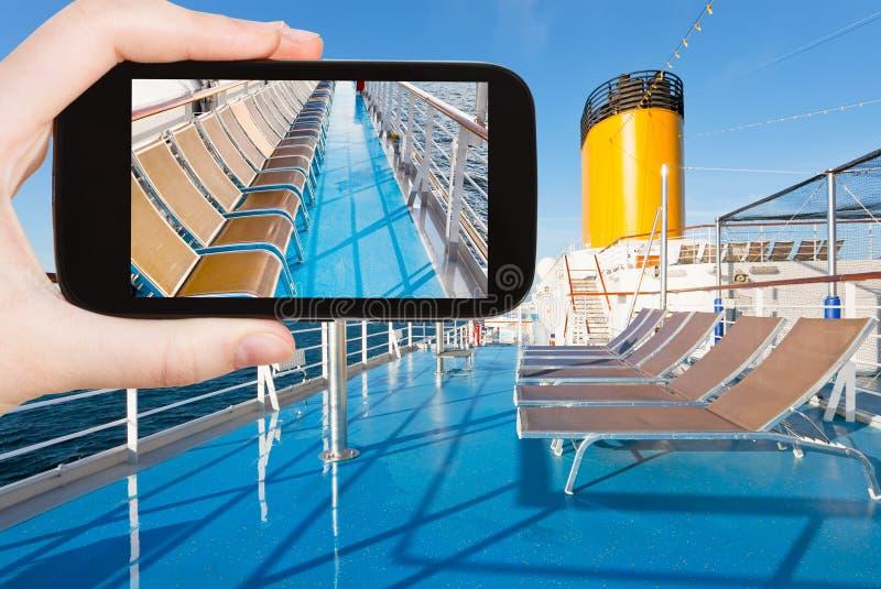 旅游巡航划线员射击照片上甲板  免版税库存照片