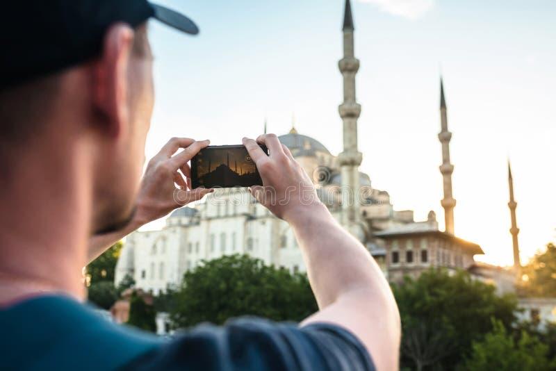 旅游照片蓝色清真寺在伊斯坦布尔在土耳其 免版税图库摄影