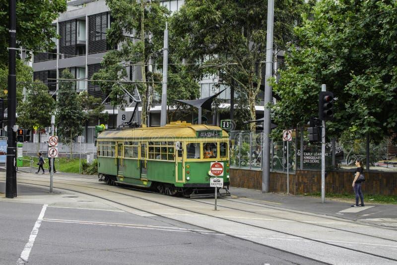 旅游电车35在墨尔本在澳大利亚 免版税库存照片