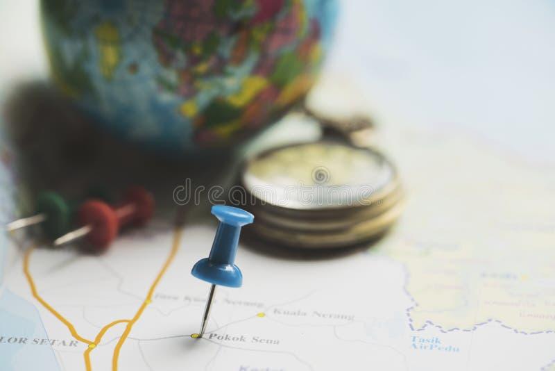 旅行假期旅行和长的周末计划的概念 免版税库存照片