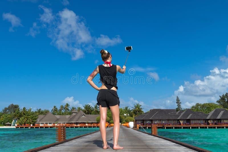 旅行假期游人Selfie 拍自画象照片的妇女 库存图片