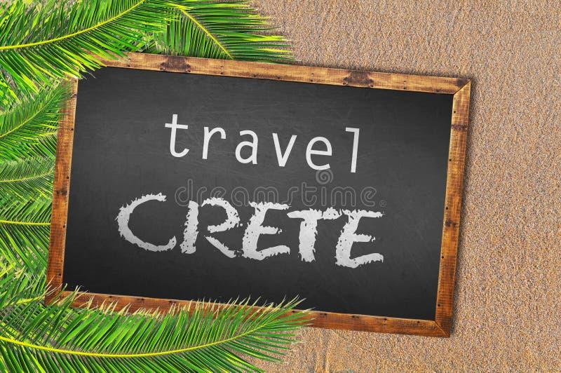 旅行克利特棕榈树和黑板在沙滩 免版税库存照片