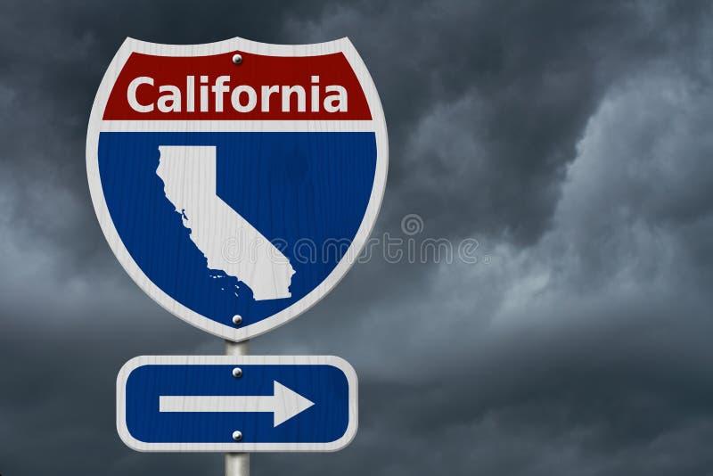 旅行向有风雨如磐的天空的加利福尼亚 免版税库存照片