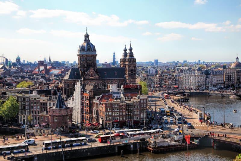 旅行向美丽的荷兰 阿姆斯特丹运河街道视图 免版税库存图片
