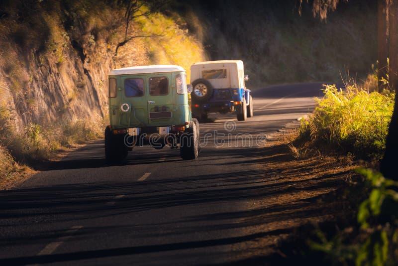 旅行和冒险路在布罗莫火山腾格尔塞梅鲁火山国立公园,东爪哇,印度尼西亚 旅行目的地和室外 库存图片
