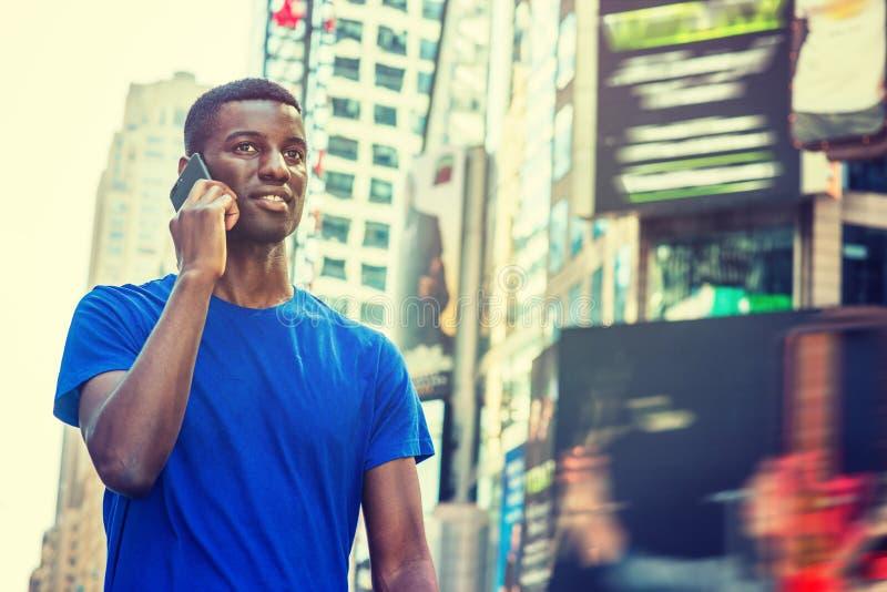 旅行在纽约的年轻非裔美国人的人 免版税库存照片