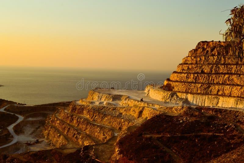 旅行希腊Ð ¡ rit Bay湖小船小游艇船坞小船 免版税库存图片