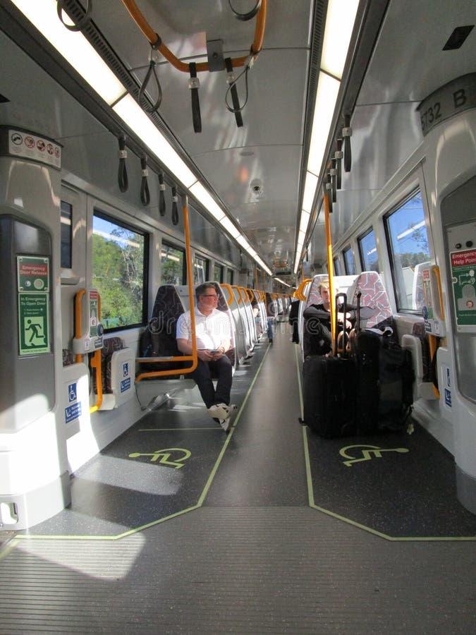 旅行提包掀动火车的布里斯班,昆士兰,澳大利亚 免版税库存图片