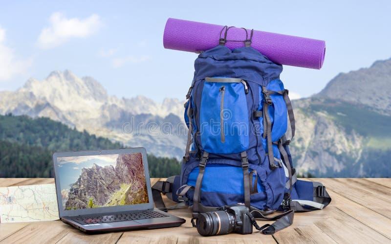 旅行摄影师背包 库存图片