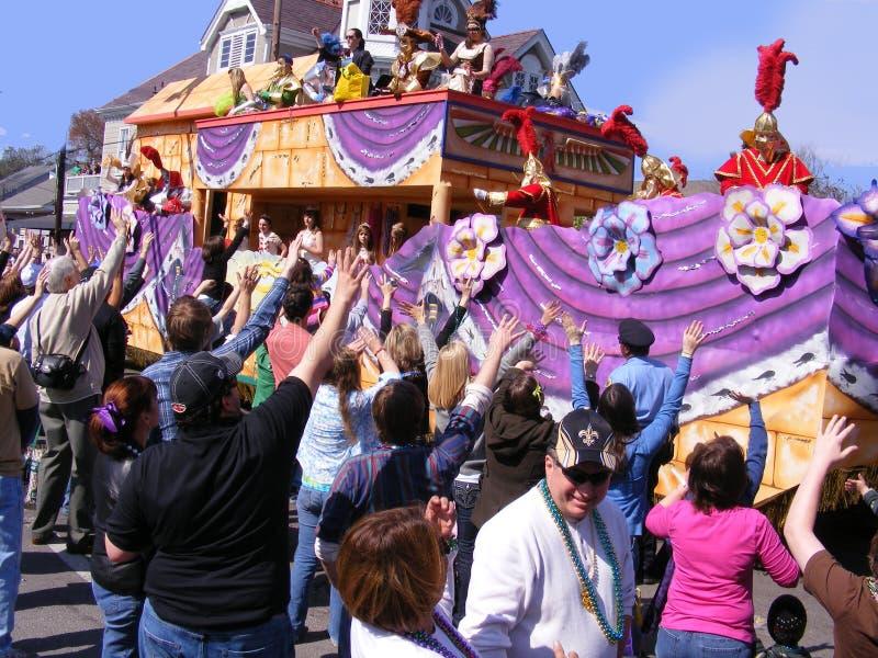 旅行新的奥尔良Mardi Gras游行和人游行的 免版税库存照片