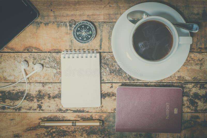 旅行设备和咖啡 库存照片