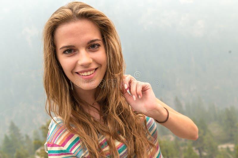 旅行年轻美丽的妇女,大峡谷,美国 库存照片