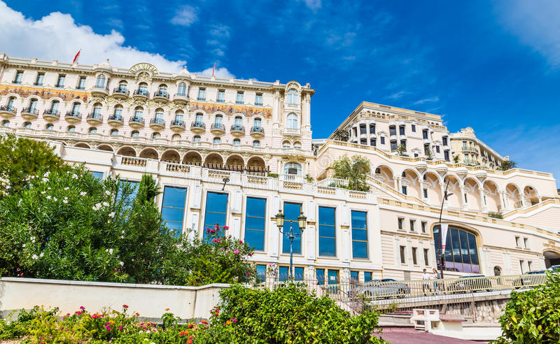 旅馆偏僻寺院看法在蒙地卡罗,摩纳哥 免版税库存图片
