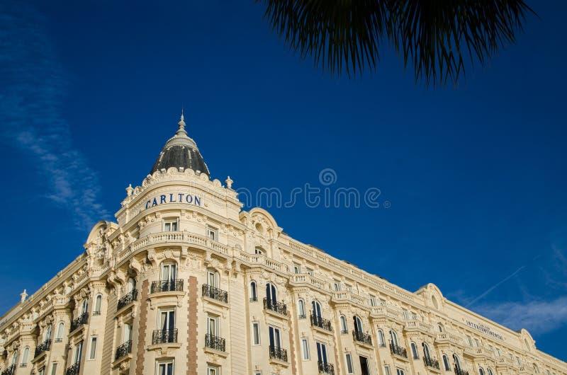 旅馆卡尔顿在戛纳 电影明星的旅馆 电影节 法国,欧洲 免版税库存照片