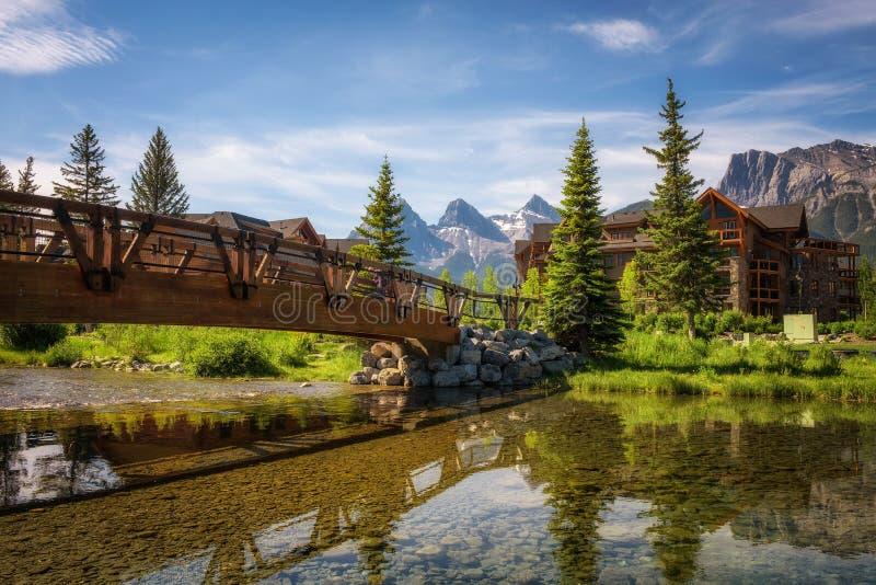 旅馆在加拿大人的落矶山Canmore 免版税库存照片