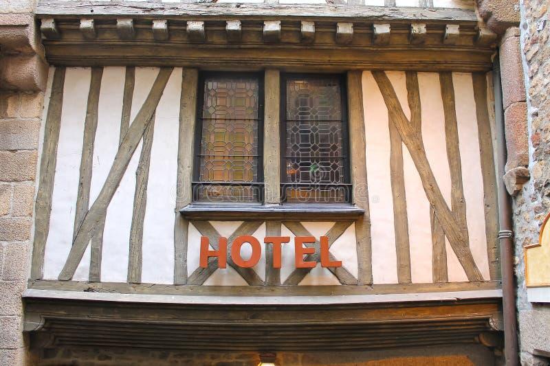 旅馆在Mont圣徒米谢尔围场修道院里。 免版税图库摄影