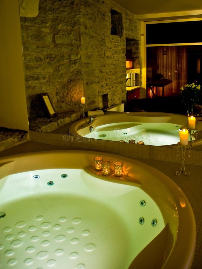 旅馆极可意浴缸 图库摄影