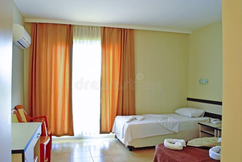 旅馆设施-卧室内部 免版税图库摄影
