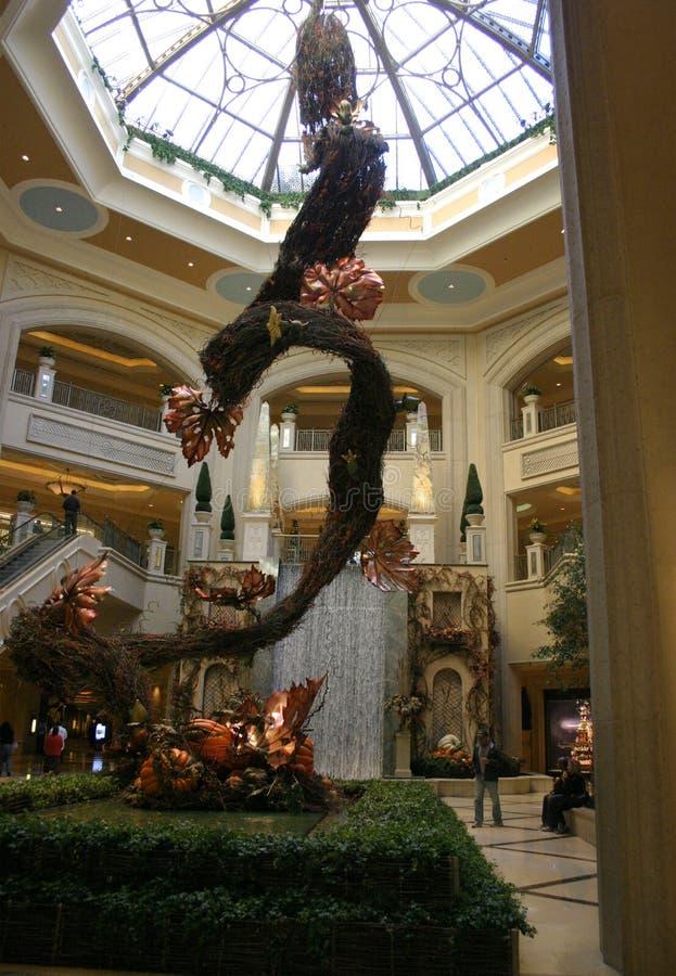 旅馆赌博娱乐场,旅馆大厅的内部 免版税库存照片