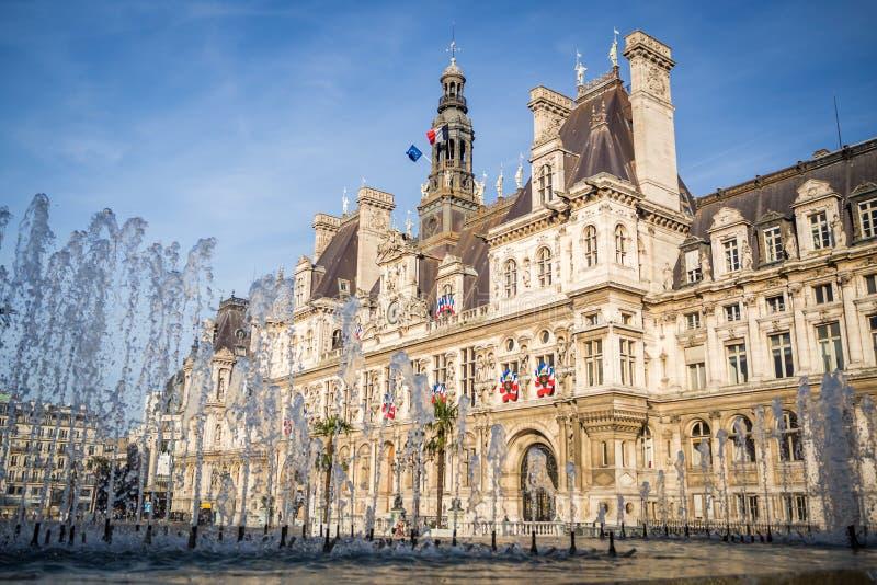 旅馆de韦莱的地方在首都的中心在夏天在巴黎 免版税库存照片