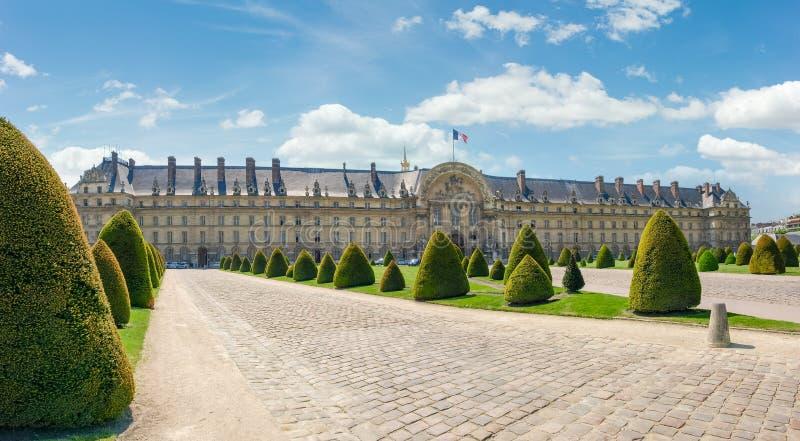 旅馆Des Invalides的北门面在巴黎 免版税库存照片