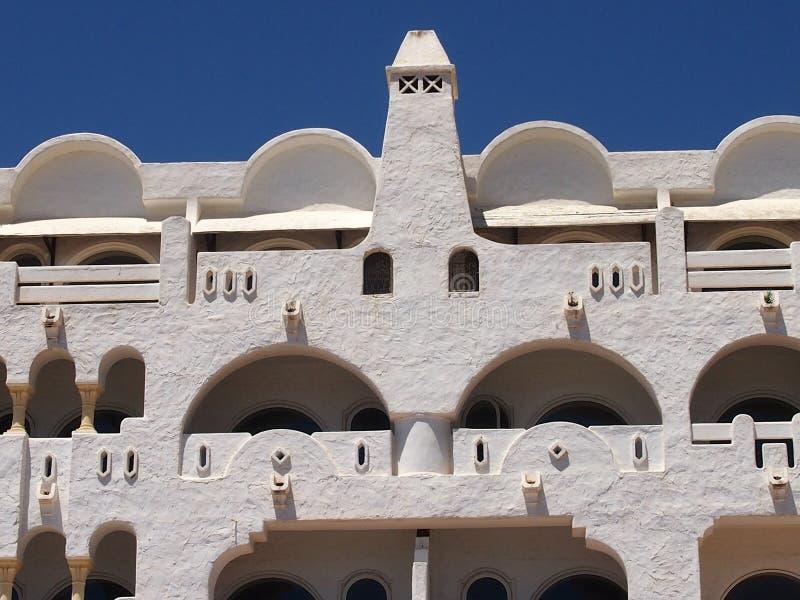 旅馆Windows和阳台  免版税库存图片