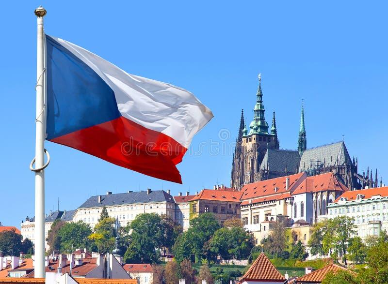 旗子,布拉格城堡和一点镇,布拉格,捷克共和国 库存照片