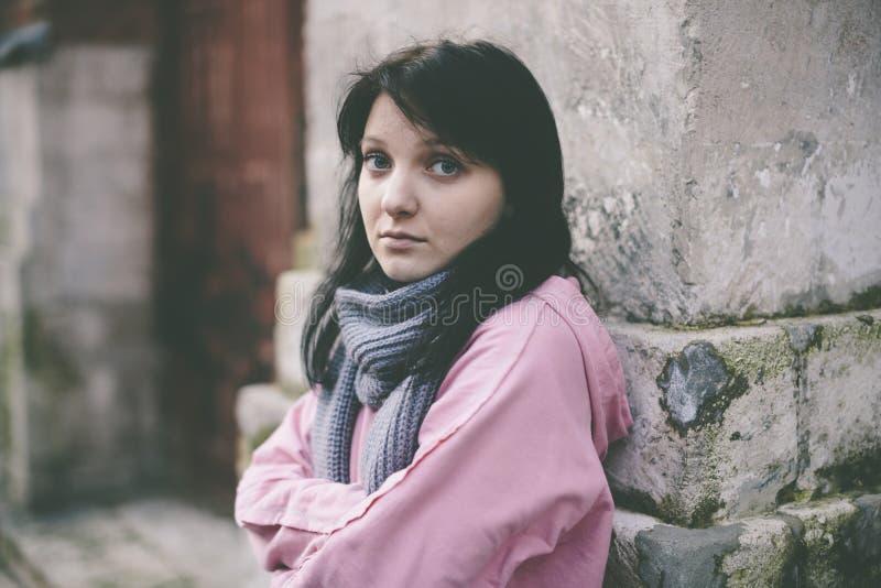 无家可归的女孩 免版税库存照片
