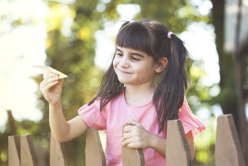 无忧无虑的童年概念 免版税库存照片