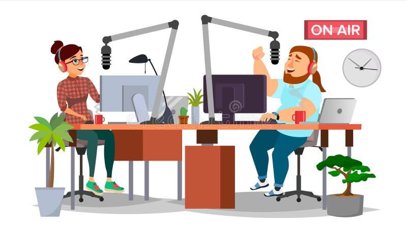 无线电DJ供以人员和妇女传染媒介 播放 现代电台演播室 告诉到话筒 在航空 向量例证