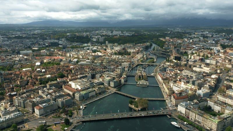日内瓦和河罗讷城市的空中射击 免版税库存图片