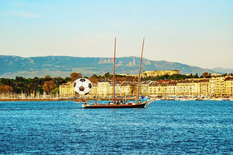 日内瓦的历史的中心看法有大橄榄球球和y的 图库摄影